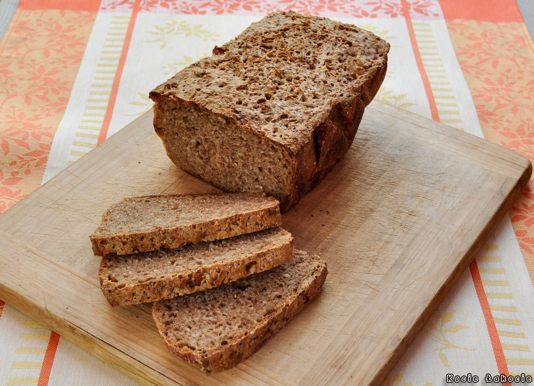 Chleb pszenny razowy na żytnim zakwasie