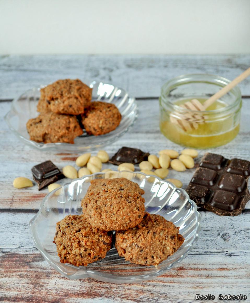 Ciasteczka czekoladowo-migdałowe (bezglutenowe i bez cukru)