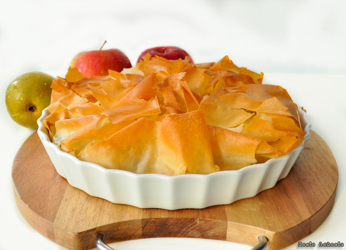 Ciasto filo z prażonymi owocami