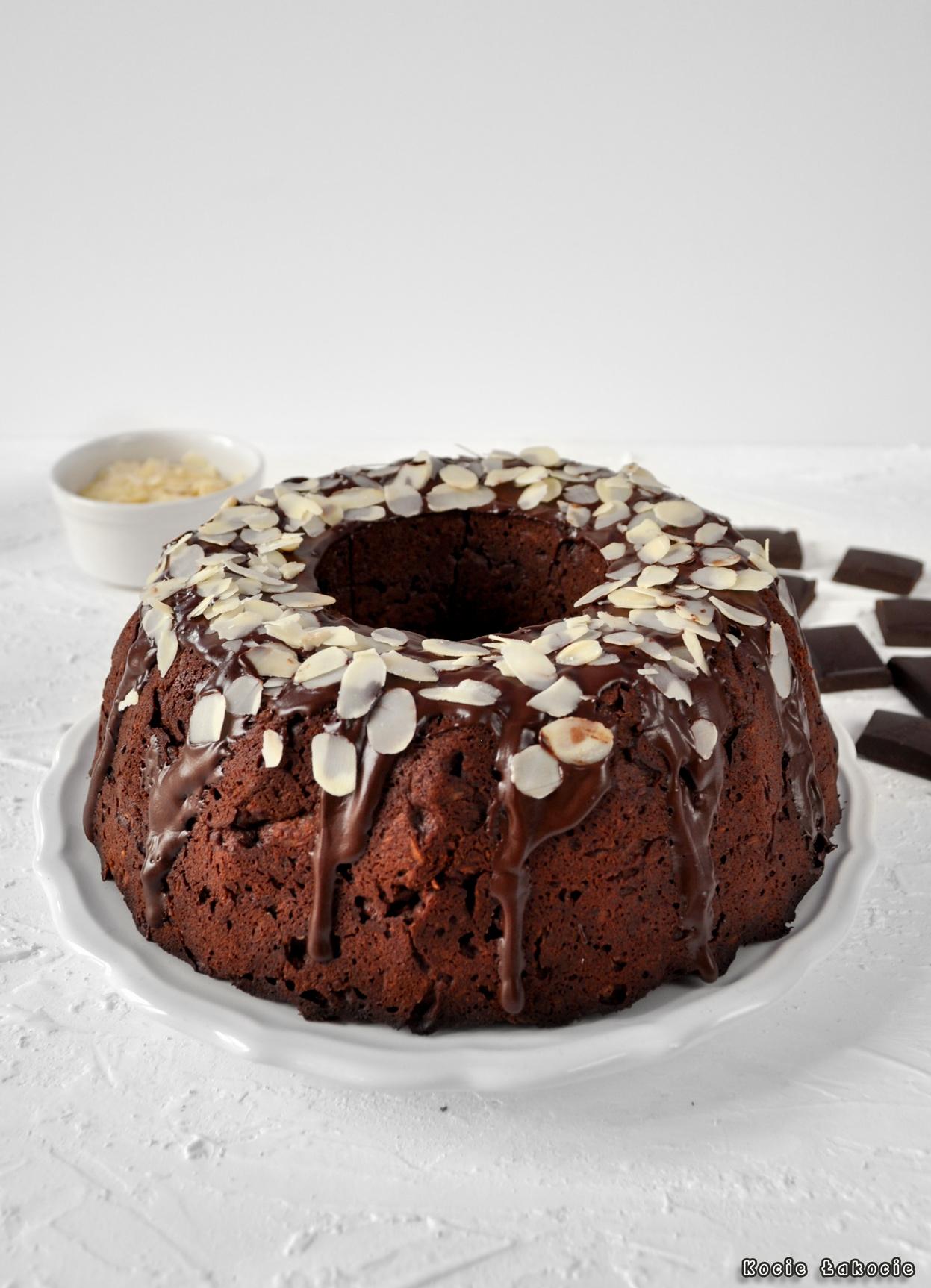 Babka czekoladowo-migdałowa (bez mąki pszennej i cukru)