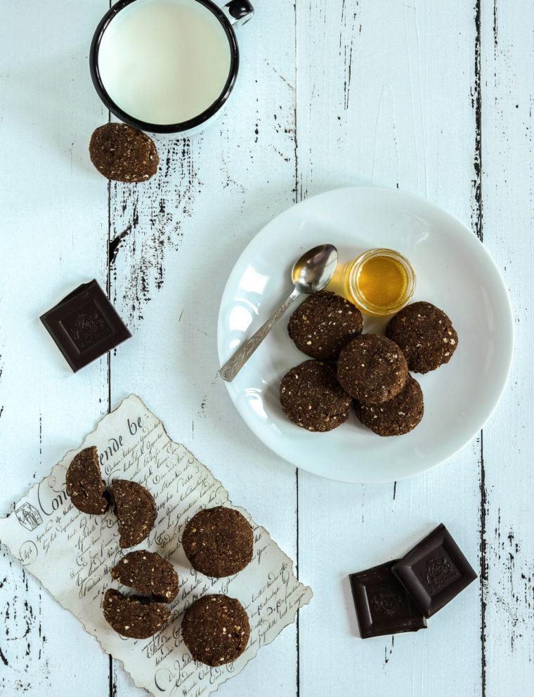 Ciasteczka czekoladowo-jaglane (bezglutenowe i bez cukru)