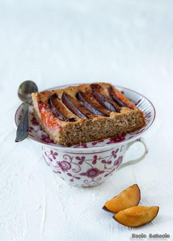 Szybkie ciasto ze śliwkami (bez cukru i bez glutenu)